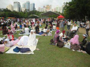Suasana BMI di Hong Kong saat berkumpul di Victoria Park. (dok.Fera Nuraini)