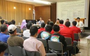 Diskusi Persoalan Overcharging yang digelar Gorbumita bersama KDEI dan BNP2TKI (dokumentasi Avendy/IPIT)