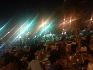Suasana Taman Hadigah di Jeddah pada malam hari