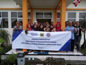 Diskusi komunitas di Desa Cimaja, Kecamatan Cikakak, Sukabumi