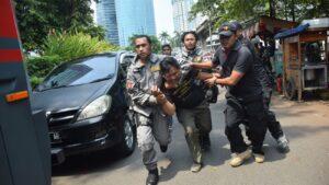 Sikap represif aparat keamanan saat pegiat SBMI menggelar aksi di depan Kedutaan Arab Saudi di Indonesia (dok.SBMI)