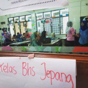 Suasana Kelas Bahasa Jepang yang Diadakan EUB di Sekolah Indonesia Kuala Lumpur (SIKL)