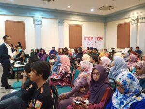 Sabda Thian , Sekretaris I Konsuler KBRI Kuala Lumpur Berdiskusi dengan Pekerja Migran, Minggu, (16/6/2019)