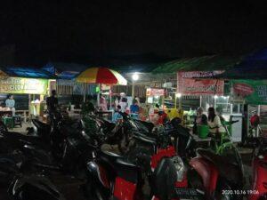 Kondisi Wisata Kuliner Gogodeso saat malam hari.