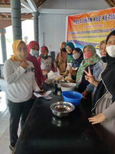Pelatihan kue kering Desa Pondok